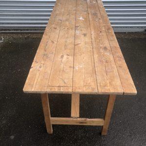 FUTD 95 Vintage pine trestle table